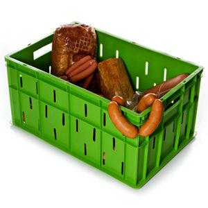 пластиковый ящик с мясной продукцией